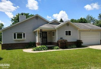 Holly Single Family Home For Sale: 15112 Blueberry