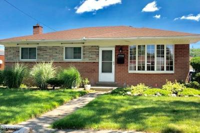 Warren Single Family Home For Sale: 27254 Bonnie
