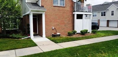 Macomb Twp Condo/Townhouse For Sale: 16816 Glenmoor Blvd