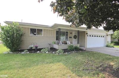 Sterling Heights Single Family Home For Sale: 35692 Woodvilla Dr