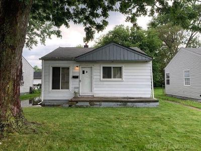 Warren Single Family Home For Sale: 21033 Atlantic