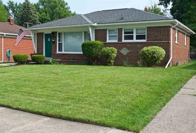 Royal Oak Single Family Home For Sale: 1424 Ottawa Drv