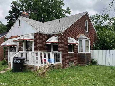 Detroit Single Family Home For Sale: 11100 Beaconsfield