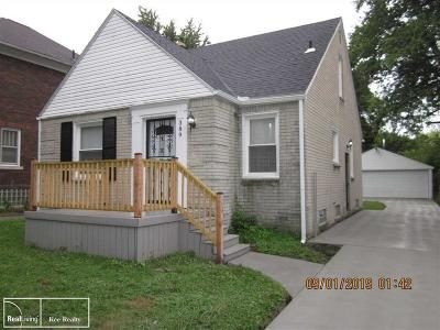 Detroit Single Family Home For Sale: 389 Lakewood