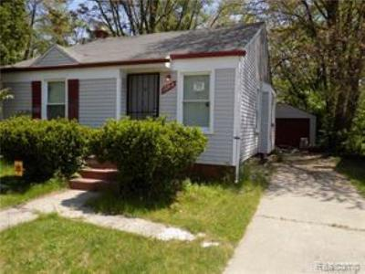 Detroit Single Family Home For Sale: 18708 Shaftsbury