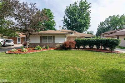 Sterling Heights MI Single Family Home For Sale: $185,000