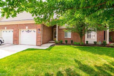Warren Condo/Townhouse For Sale: 29550 Woodpark Cir