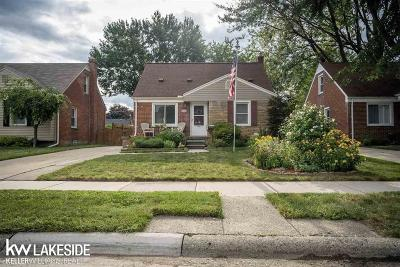 Royal Oak Single Family Home For Sale: 3211 N Blair