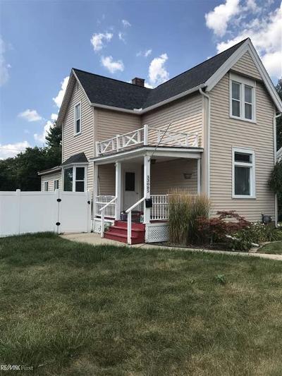 Fraser Single Family Home For Sale: 33085 Utica