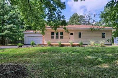 Oxford Single Family Home For Sale: 690 Sebek St