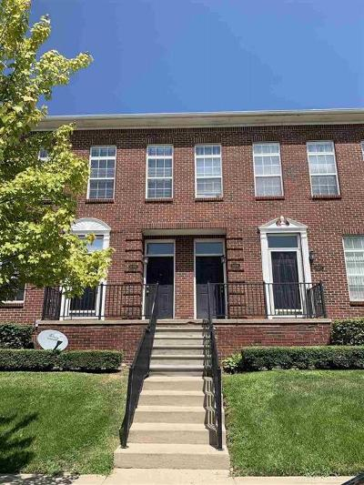 Sterling Heights Condo/Townhouse For Sale: 14285 Vauxhall Drive