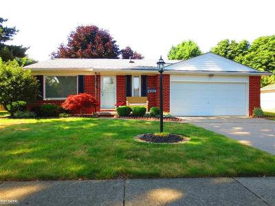 St Clair Shores, Roseville, Fraser, Harrison Twp Single Family Home For Sale: 25166 Anchorage