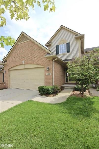 White Lake Twp Condo/Townhouse For Sale: 1354 Waverly Dr