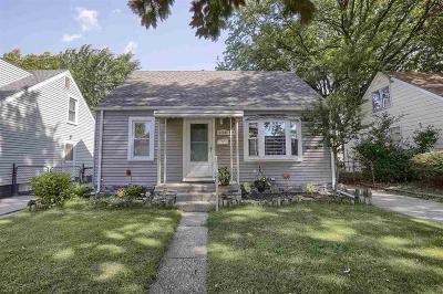 St. Clair Shores, Harrison Twp, Roseville, Clinton Twp Single Family Home For Sale: 22105 Avalon St