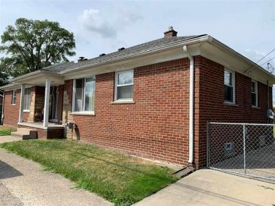 Warren Single Family Home For Sale: 23511 Peters