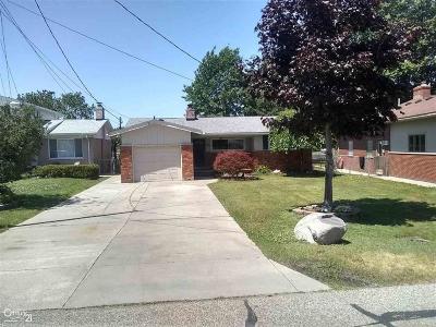 St Clair Shores, Roseville, Harrison Twp, Fraser Single Family Home For Sale: 38073 Huron Pointe
