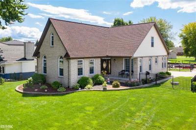 St Clair Shores, Roseville, Harrison Twp, Fraser Single Family Home For Sale: 39641 Lakeshore Drive