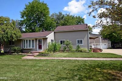 Sterling Heights Single Family Home For Sale: 37260 Saint Joseph