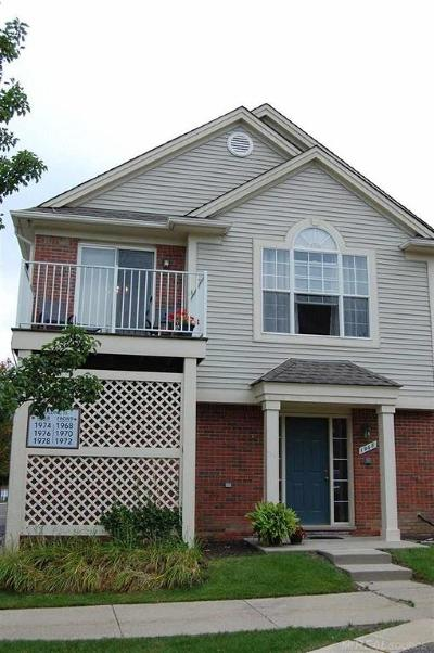 Rochester Condo/Townhouse For Sale: 1968 Flagstone Circle