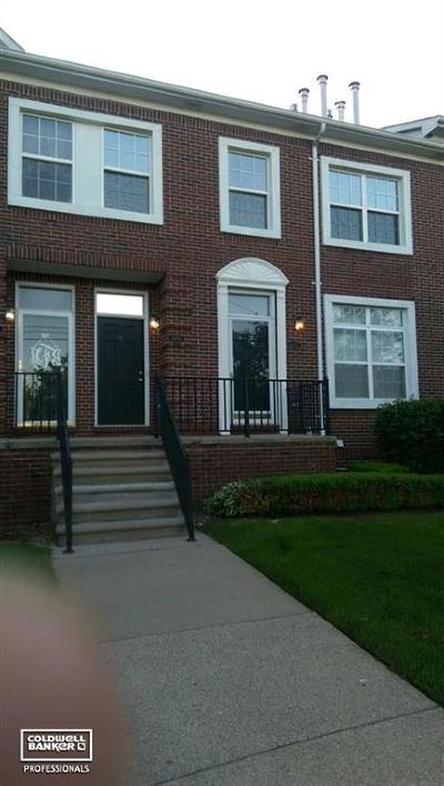 Sterling Heights Condo/Townhouse For Sale: 43051 Strand
