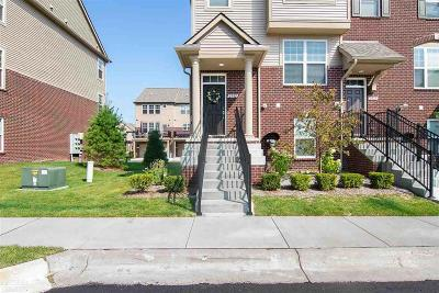 Rochester Hills Condo/Townhouse For Sale: 2582 Helmsdale