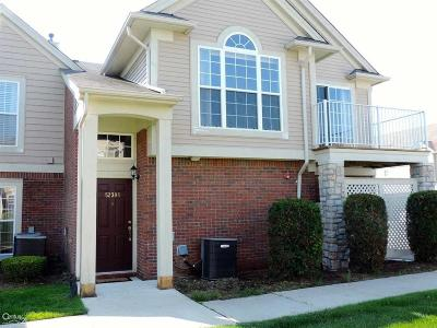 Macomb Twp Condo/Townhouse For Sale: 52308 Naugatuck #7