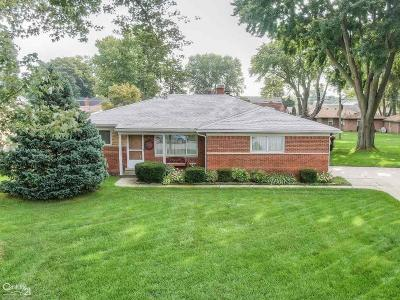 Sterling Heights Single Family Home For Sale: 42310 Hanks Lane