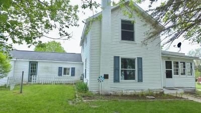 Isabella County Single Family Home Contingent - Continue To Show: 2917 Michigan St
