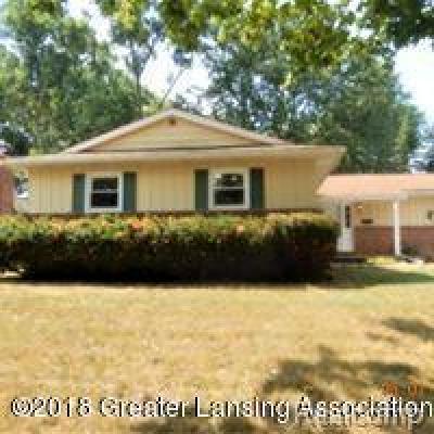 Lansing Single Family Home For Sale: 2216 Northampton Way