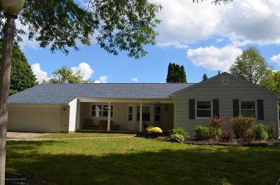 Lansing Single Family Home For Sale: 1148 Shelter Lane