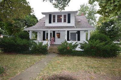 Single Family Home For Sale: 811 N Saginaw Street