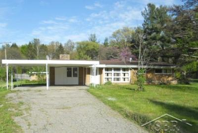Single Family Home Sold: 99 S Sandow Rd