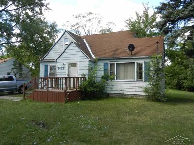 Saginaw Single Family Home For Sale: 1427 S Outer Drive