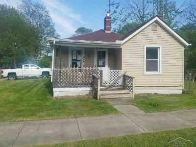 Bay City Single Family Home For Sale: 216 N Birney St
