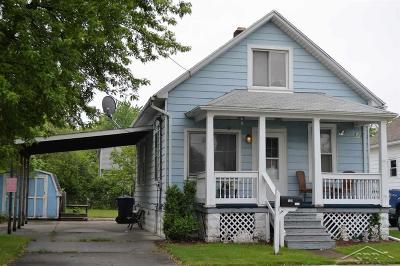Bay City Single Family Home For Sale: 1020 S Lincoln