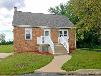 Bay City Single Family Home For Sale: 6892 Westside Saginaw Road