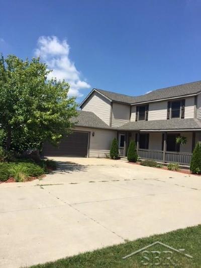Freeland Single Family Home For Sale: 11430 W Freeland