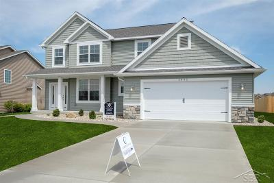 Saginaw Single Family Home For Sale: 6842 S Burning Bush Dr
