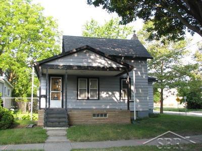 Bay City Single Family Home For Sale: 511 N Warner St