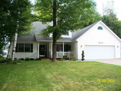 Freeland Single Family Home For Sale: 7850 Nutrush