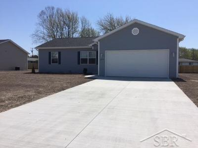 Saginaw Single Family Home For Sale: 2379 Moonglow Court