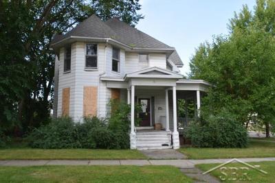 Bay City Multi Family Home For Sale: 319 N Van Buren