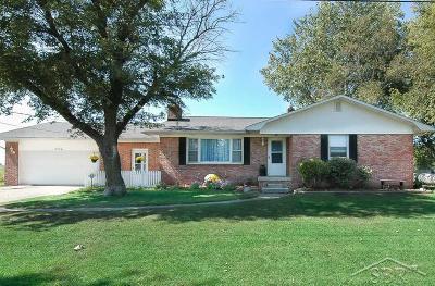 Freeland Single Family Home For Sale: 6524 Hospital