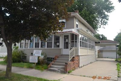 Bay City Single Family Home For Sale: 220 N McLellan Street
