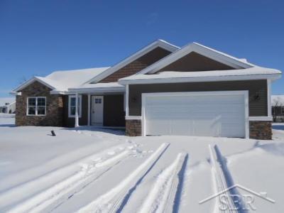 Freeland Single Family Home For Sale: 8554 Cottonwood