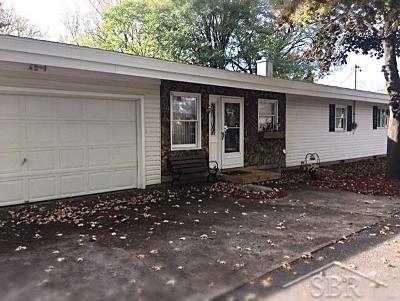 Saginaw MI Single Family Home For Sale: $99,000