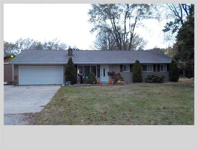 Freeland Single Family Home For Sale: 3935 Meadow