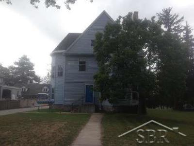 Saginaw Multi Family Home For Sale: 916 S Michigan
