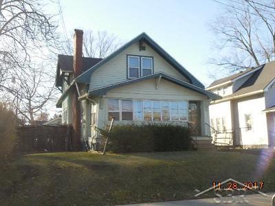 Flint Single Family Home For Sale: 606 E Stewart