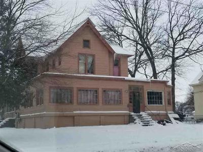 Bay City Multi Family Home For Sale: 601 W Midland